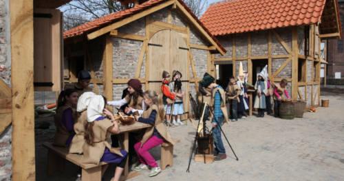 Kinder im Musenhof Schloss Moers