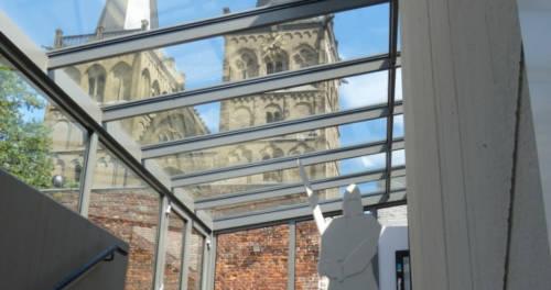 Ansicht des Dom vom Eingangsbereich des SiegfriedMuseums Xanten