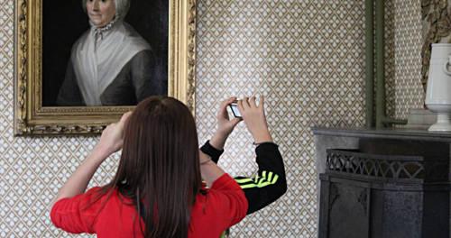 Kinder im Museum Burg Linn