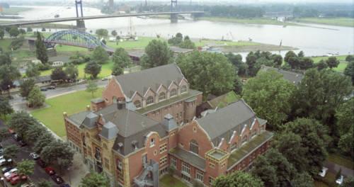 Luftbild vom Gebäude (ehem. Ruhrorter Badeanstalt) des Binnenschifffahrtsmuseum Duisburg